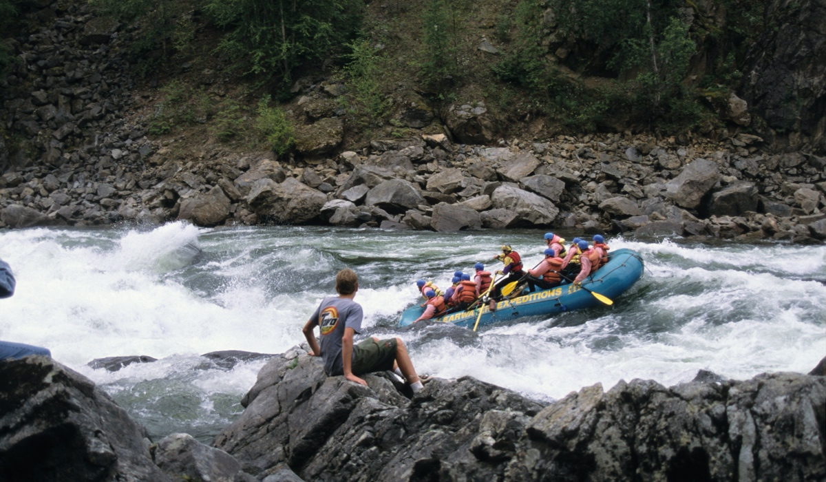 Raft going through Sabre Tooth Rapids